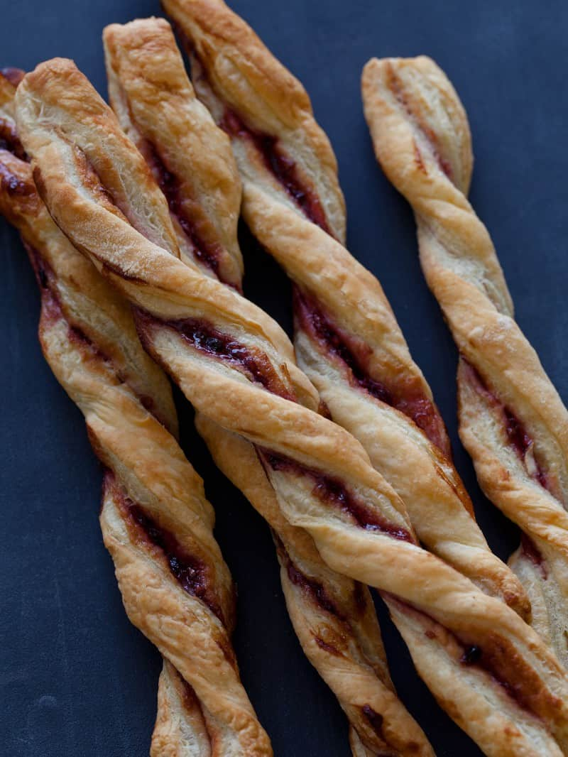 A recipe for Blackberry Jam Straws.