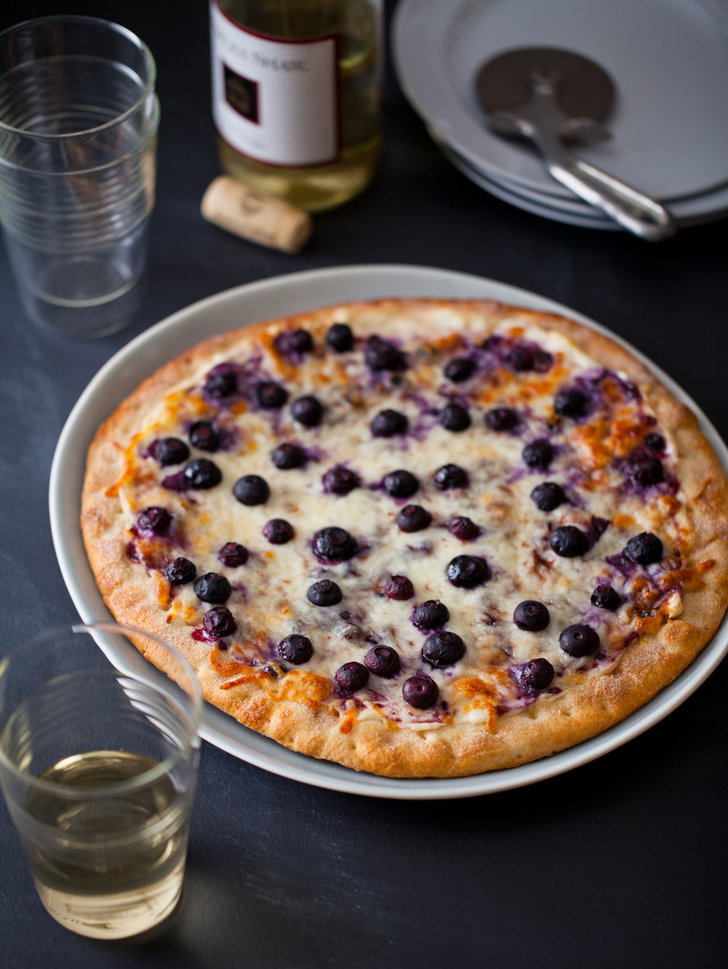 A recipe for Blueberry Dessert Pizza.