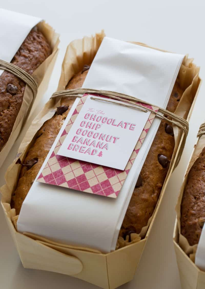 Banana Bread Recipe and download and print labels for a great gift.