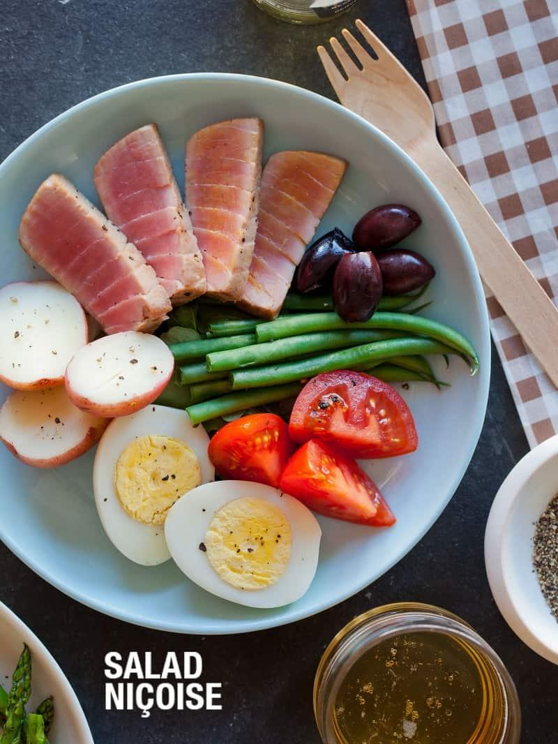 A simple recipe for Salad Nicoise.
