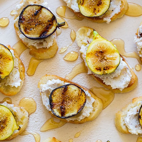 fig-hazelnut-ricotta-crostinis-index