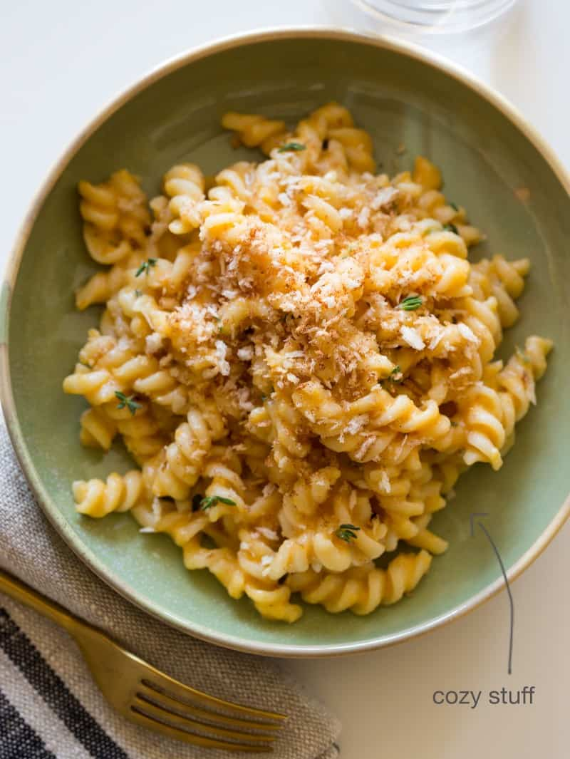 A recipe for Pumpkin Thyme Mac and Cheese.