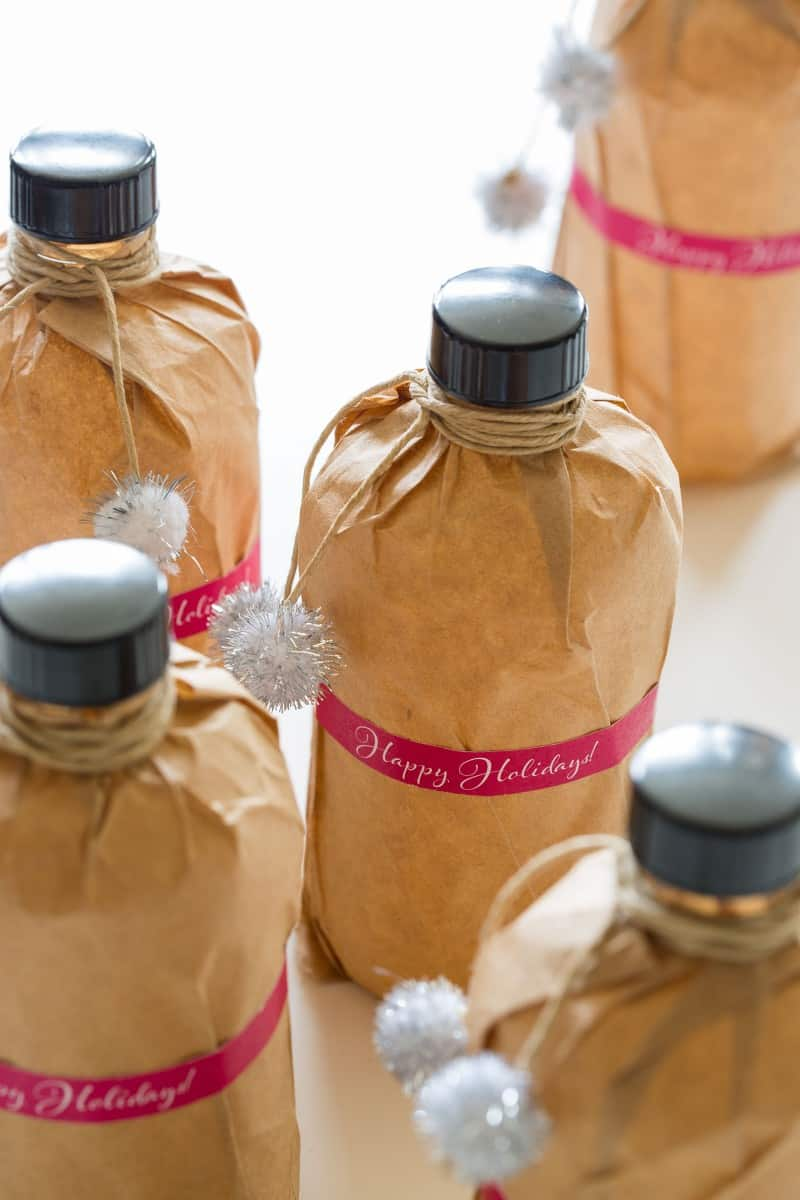 Download and print labels to make your own extract gifts.