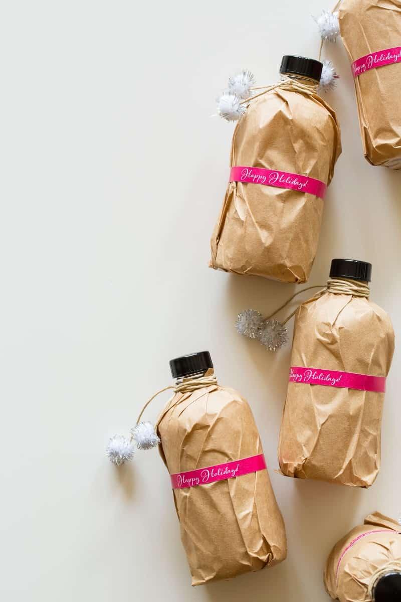 Homemade Extract recipes for lemon, vanilla, orange, cinnamon, and grapefruit extracts.