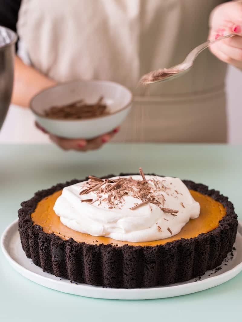 pumpkin-pie-chocolate-crust