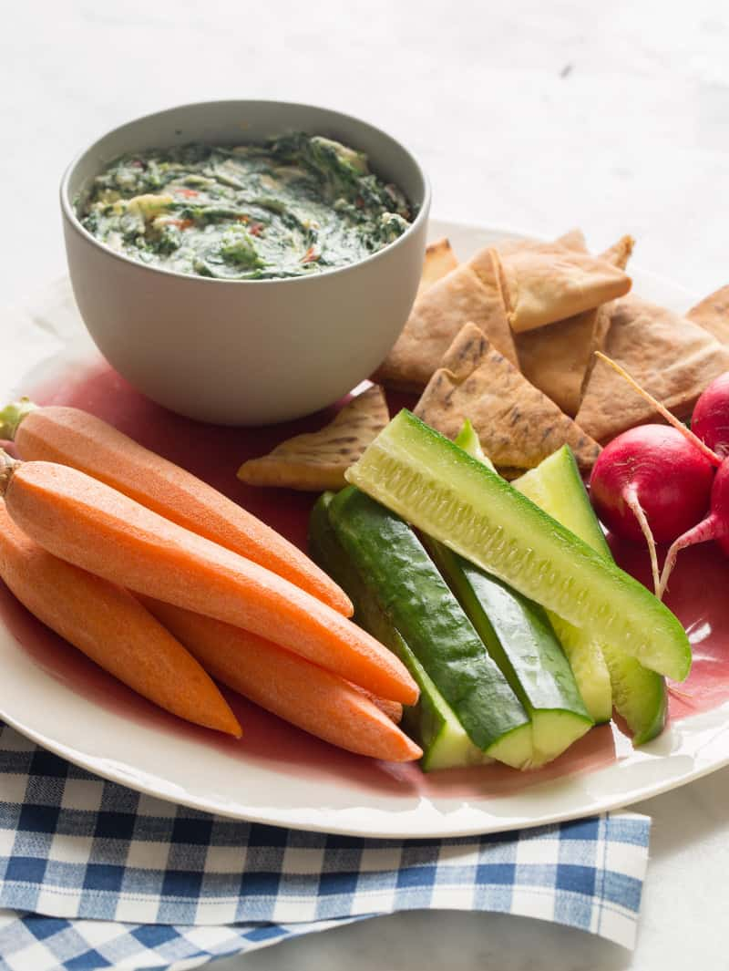 Creamy Spinach and Sun Dried Tomato Dip with crudites