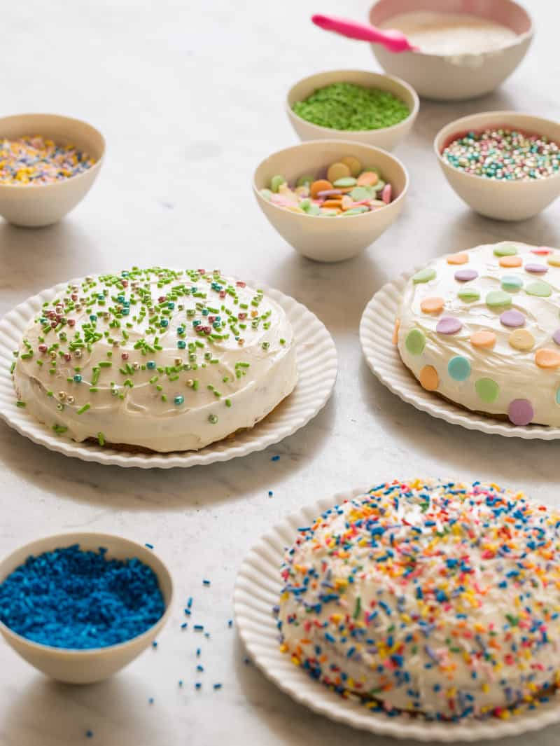 decorating_party_cakes