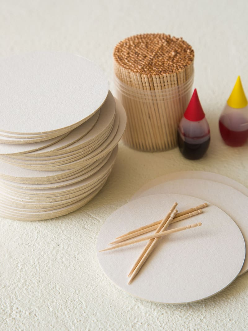 Materials needed for DIY dip dye place cards.