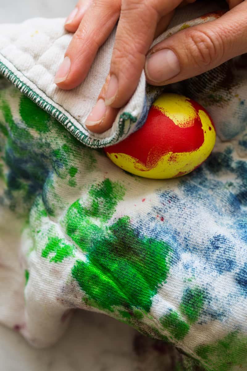 egg_dye_wipe