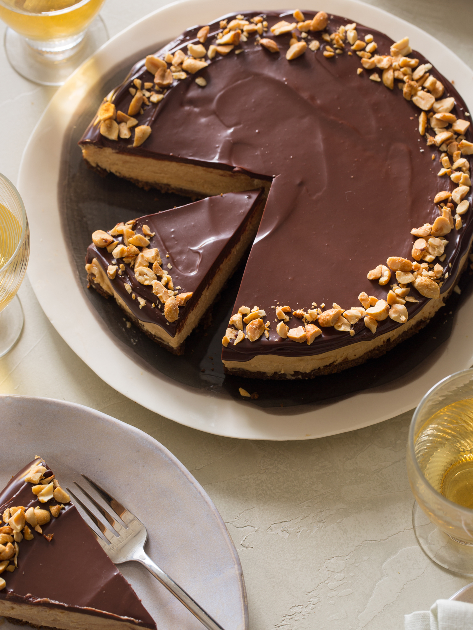 No Bake Peanut Butter Cheesecake with Dark Chocolate Ganache