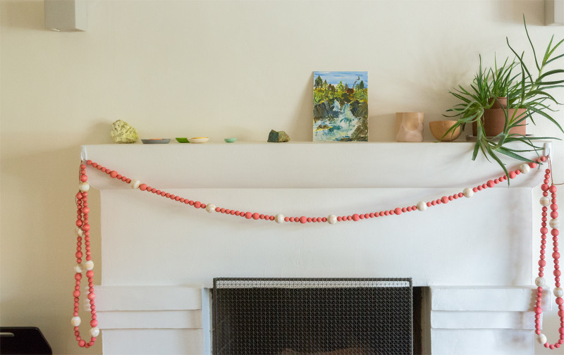 wood_bead_christmas_garland