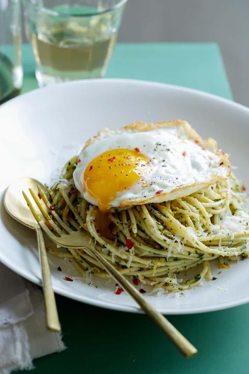 pistachio_mint_pesto_egg