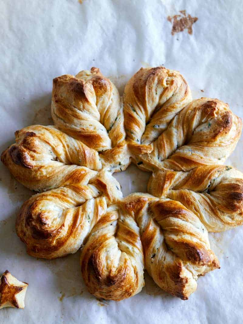Herb_Cheese_Braided_Star_Bread