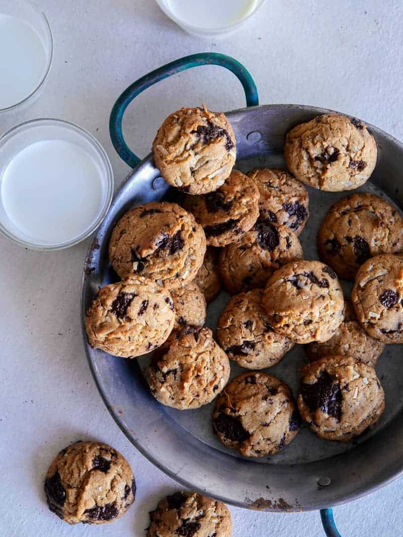 chai_chocolate_coconut_cookie_recipe