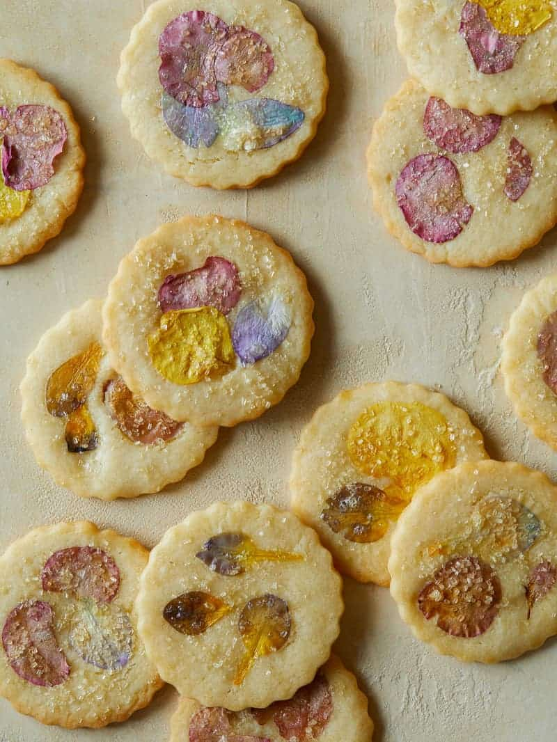 Floral pressed butter cookies.