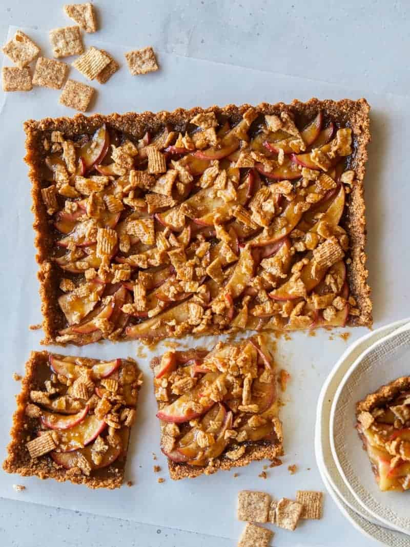 salted_caramel_apple_tart_cinnamon_toast_crunch
