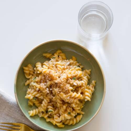 A recipe for Pumpkin Thyme Mac and Cheese
