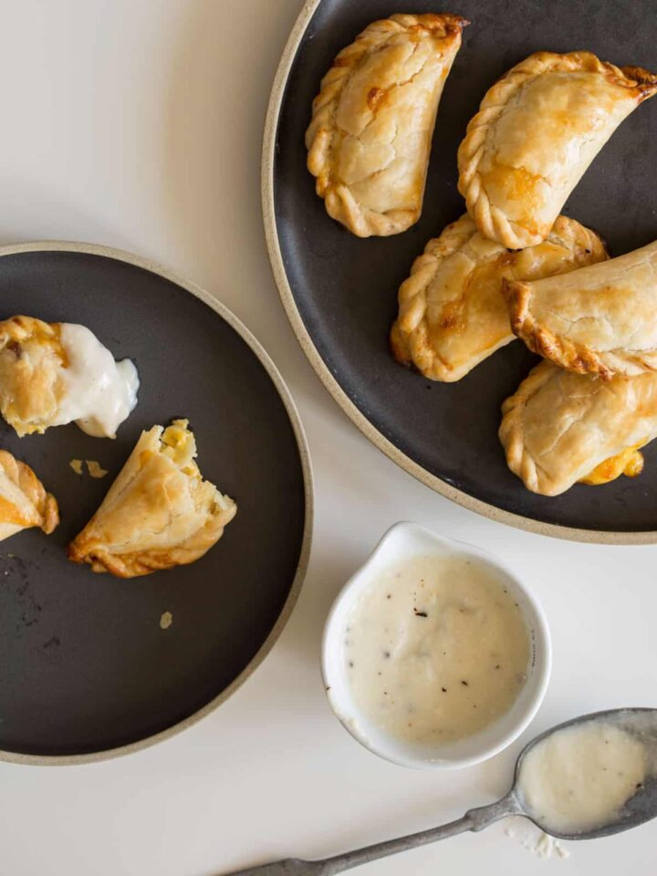 A recipe for Quiche Pockets with a Mornay Sauce.