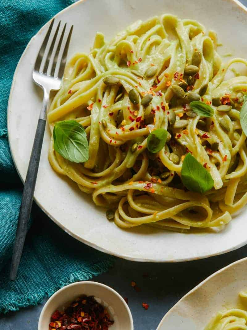 Fettuccine with Creamy Avocado-Garlic Sauce