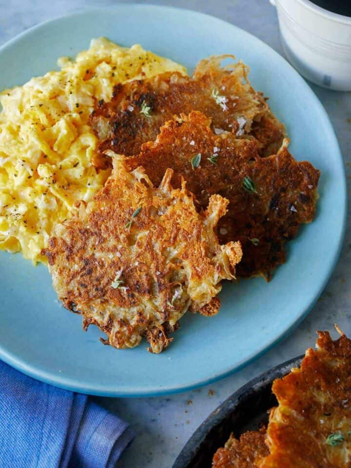 A plate of crispy cheese hash browns.
