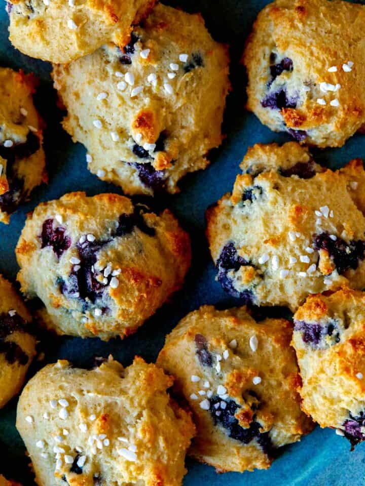 A close up of blueberry yogurt cookies.