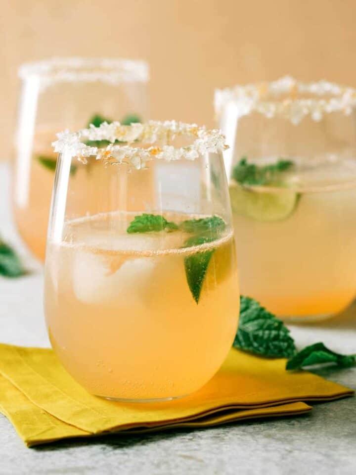 A recipe for Paloma, a grapefruit cocktail.