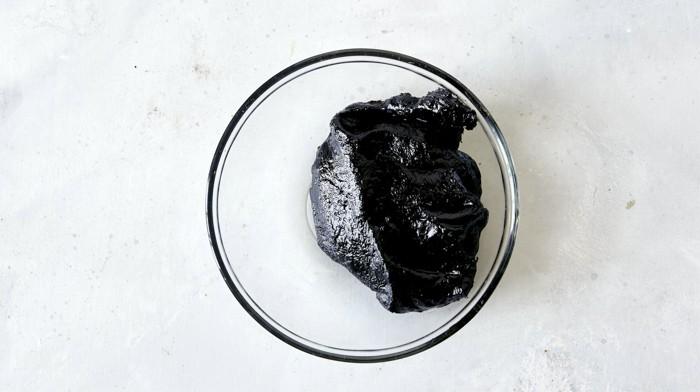 Toasted jajang to make Jajangmyeon.