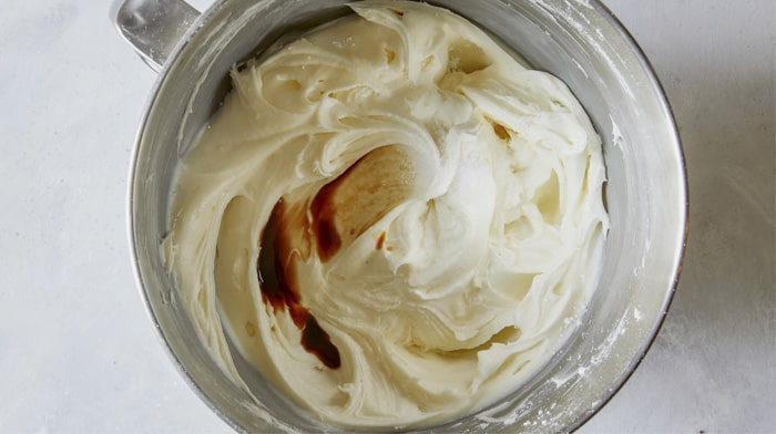 Cream cheese frosting with vanilla in it.
