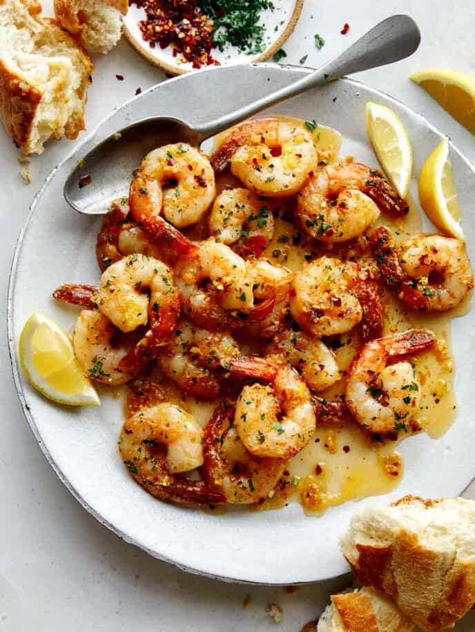 Shrimp scampi recipe on a plate.