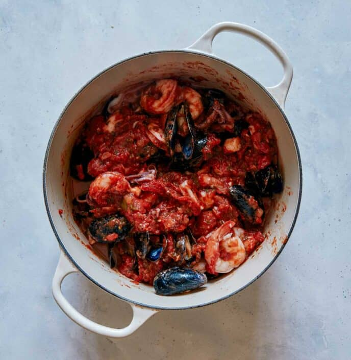 Frutti di Mare simmering in a pot.